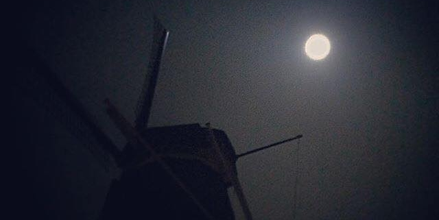 Molen-de-ster-by-full-moon-@esciodipapa--640x321